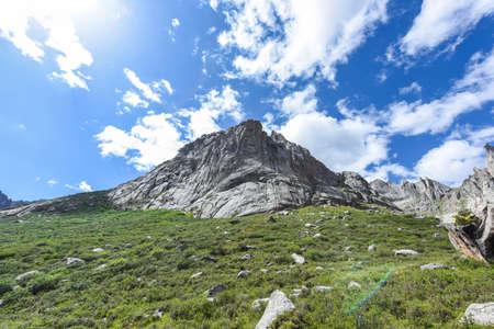 The mountain lianbaoyeze of the Qinghai-Tibet Plateau in Aba, Sichuan, China Zdjęcie Seryjne