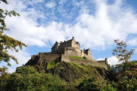 castle rock: Castillo de Edimburgo, Escocia, Reino Unido, del noroeste en la tarde despu�s de la lluvia ha limpiado el aire.  Foto de archivo