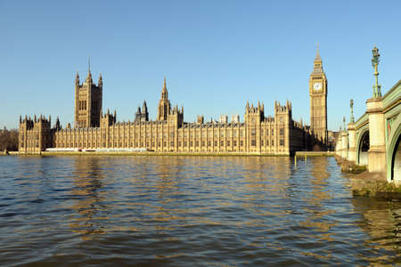the palace of westminster: Palace of Westminster, over the Thames, with Big Ben and Westminster Bridge on the right, in golden morning light and a clear blue sky