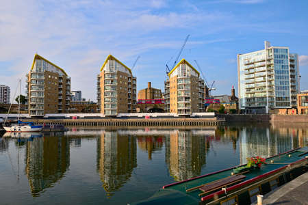 Limehouse Basin, Tower Hamlets, London, England, UK, Europe, in the early evening Stock Photo - 7765415