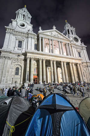 anti capitalist: LONDON, UK - OCTOBER 30 2011: Occupy London Stock Exchange protesters camping outside St Paul
