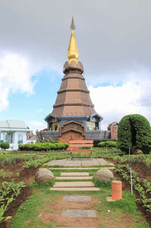 phon: The Great Holy Relics Pagoda Nabhamethanidol and Nabhapolbhumisiri