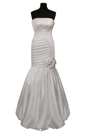 mannequins: Hochzeitskleid auf Schaufensterpuppe, isoliert auf weiss