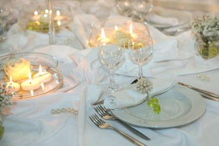 recepcion: Configuraci�n de la tabla elegante para un evento de boda o cena  Foto de archivo
