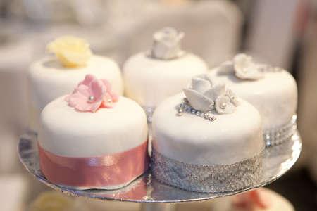 Фото свадебных тортов 2012