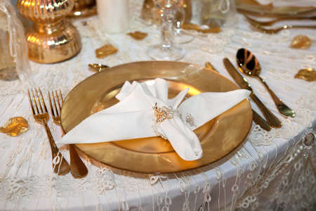 豪華な結婚式のディナー
