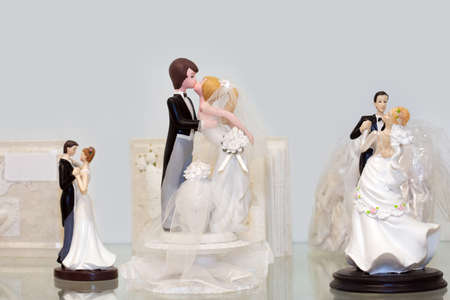 Bride and groom figurines photo