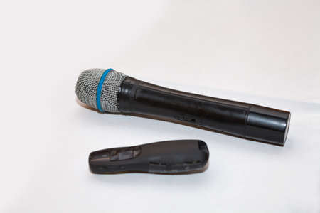 wireless: Microphone and laser pointer