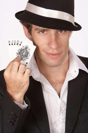 best hand: Jugador de p�quer mostrando mejor mano de p�quer en la Escalera Real