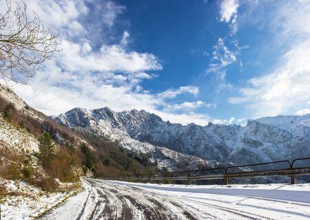 carrara: Apuan Alps snow