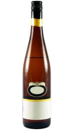 bebidas alcoh�licas: Botella de vino aislado en superficie blanca