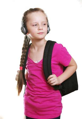 colegiala: colegiala con auriculares y bolso en blanco