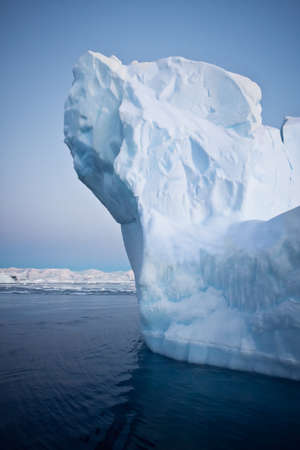 calentamiento global: Iceberg Ant�rtico en la nieve