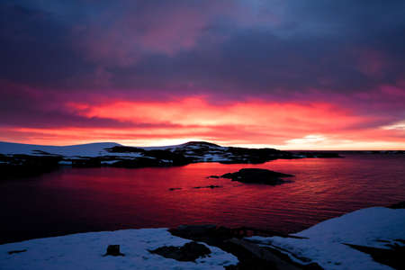 Summer  sunset in Antarctica.  Beautiful winter background. Stock Photo - 10632809