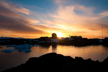 Summer  sunset in Antarctica.  Beautiful winter background. Stock Photo - 11156132