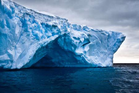 Antártida iceberg en la nieve Foto de archivo - 11156202