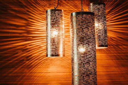 alumbrado: lámparas modernas hermosas. iluminación decorativa
