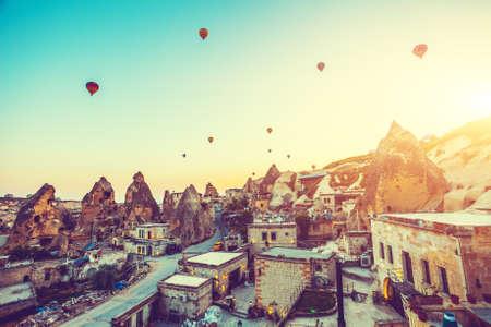 Hot air balloons flying over spectacular Cappadocia 版權商用圖片