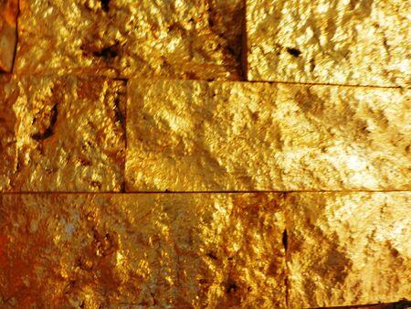 Goldenen Wand Standard-Bild - 62588563