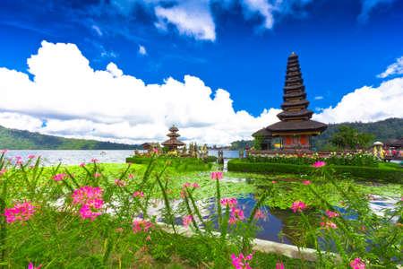 danu: Pura Ulun Danu temple ,Bali Indonesia