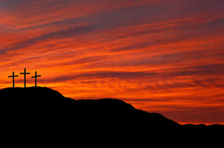 jesus on cross: Paisaje de Pascua - puesta del sol, salida del sol