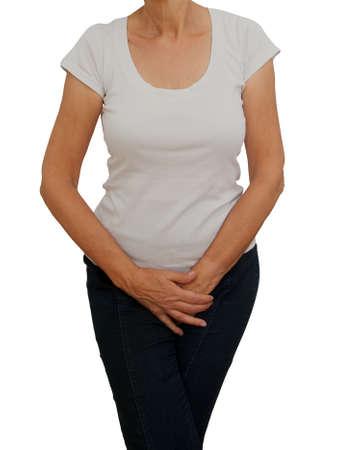 Donna matura e anziana con cavallo. Disagio da incontinenza, menopausa o problemi personali simili. Sfondo bianco.