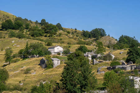 Panoramica di Campocatino nelle Alpi Apuane, alias Vagli Sotto. Bellissimo gioiello dimenticato in Garfagnana, Italia, fuori dai sentieri battuti.