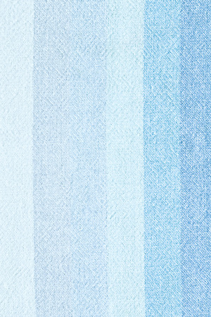 woolen fabric: ropa de rayas - cerca de lino azul textil