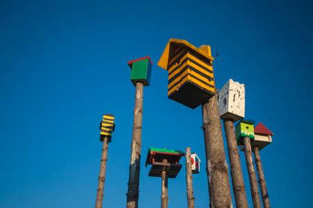 birdhouses city Standard-Bild