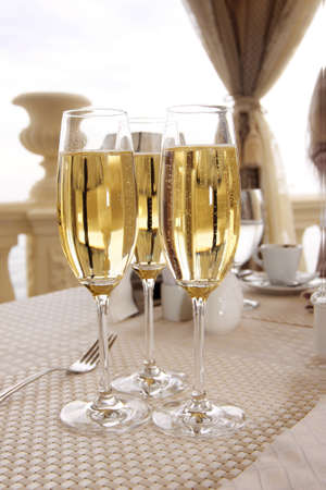 glasses of champagne on wedding table