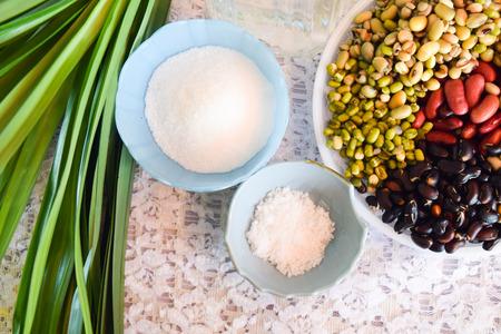leguminosas: colección de legumbres, granos de varias leguminosas de colores para la cocina