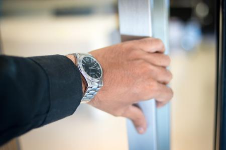 tecla enter: La introducción de un hombre de negocios Oficina