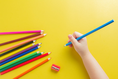 Children and color in hand To create the imagination of learning and development in the arts.
