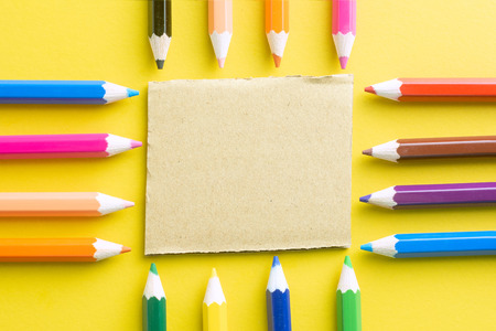 Arrange Pencils color to point to the note. For the importance of writing the message. The colors are fresh, bright and happy to look at.