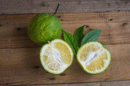 citrus  sinensis: organic oranges , citrus sinensis