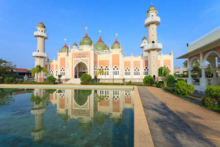pattani thailand: Mezquita Capital Hist�rica Pattani, Tailandia Pattani