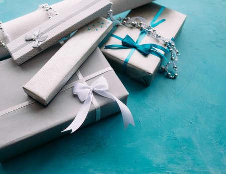 보석 선물 상자 안에 선물한다. 맛있는 포장 개념 스톡 콘텐츠