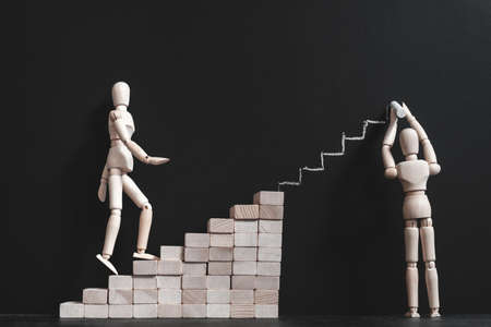 Motivation positive. Encouragements et soutien. Développement de carrière et coaching. Composition conceptuelle de mannequin articulé.