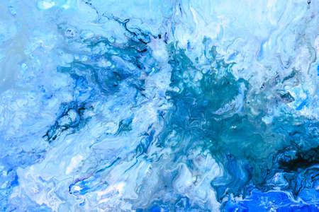 Abstrakte Kunst Textur Hintergrund. Ozeansturmeffekt. Schöne blaue und weiße Acrylfarbe.