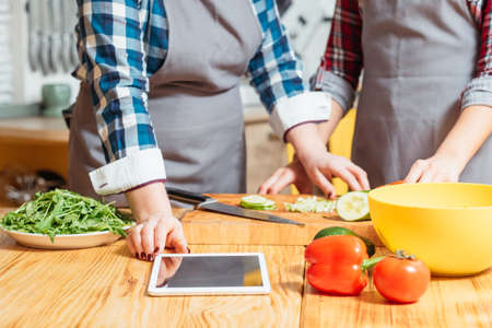 Modern diet. Healthy lifestyle. Vegetarian cuisine. Social networking websites influence on daily nutrition habits. Stockfoto