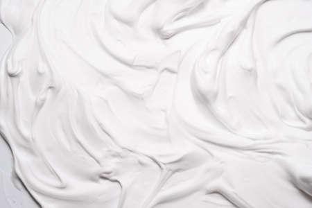 Weißer Schaum Textur abstrakte Kunst Hintergrund. Luftige Mousse-dekorative Mustertapete.