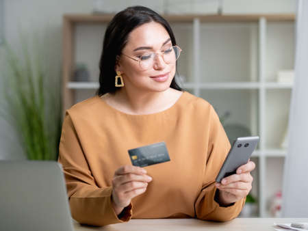 bank payment business woman online shopping