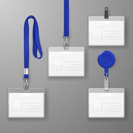 Conjunto de tarjeta de identificación gráfica de oficina en blanco realista con cierre azul, clip de soporte y conjunto de cordón aislado en primer plano. Plantilla de diseño de tarjeta de identificación para maqueta. Maqueta de tarjeta de identidad en vista superior Foto de archivo