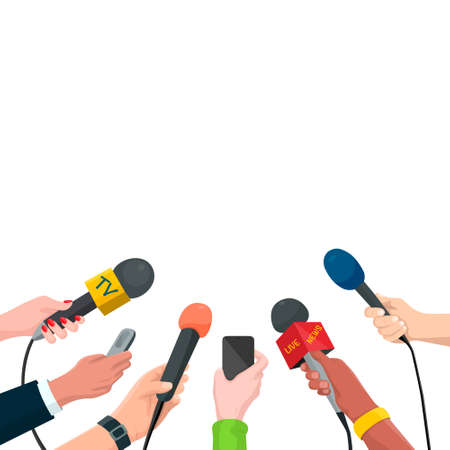 Journalisme Concept Vector Illustration en Style Cartoon. Ensemble de mains tenant des microphones et des enregistreurs vocaux. Modèle de nouvelles chaudes, isolé sur fond blanc.