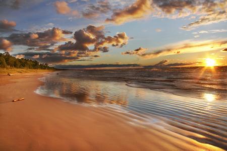 Lake Huron beach at sunset - Grand Bend, Ontario, Canada 스톡 콘텐츠