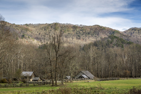 smoky mountains: Historic Homestead in Smoky Mountains National Park in Autumn - North Carolina