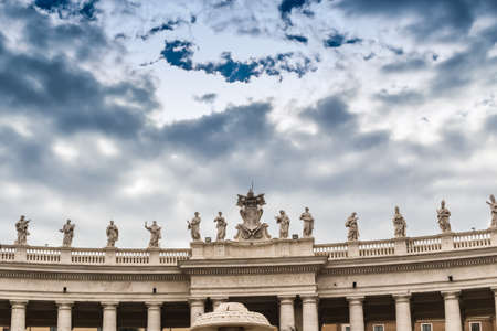 basilica of saint peter: Saint Peter, Basilica in Vatican City: the square and architecture details