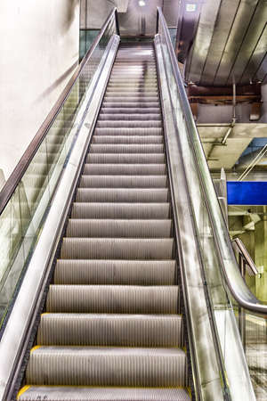 sliding scale: Moving staircase