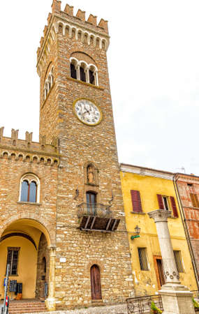 c�vico: architecture in the Middle Ages - the civic tower adjacent to the town hall of bertinoro with its characteristic brick walls