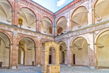 doric: The courtyard with center shaft of The Praetor Palace represents Italian Renaissance architecture with elements of stone and brick  and it is bordered by triportico with two orders, Doric and Ionic, columns. Editorial